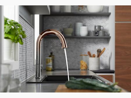 Este exclusivo grifo de cocina inteligente se conecta al móvil para gestionar el consumo de agua
