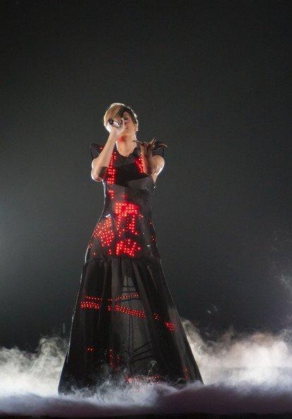El estilo de Lady GaGa contra el Rihanna: ¿quién es más espectacular en los conciertos? XI