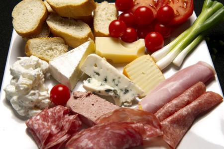 carnes frías y quesos
