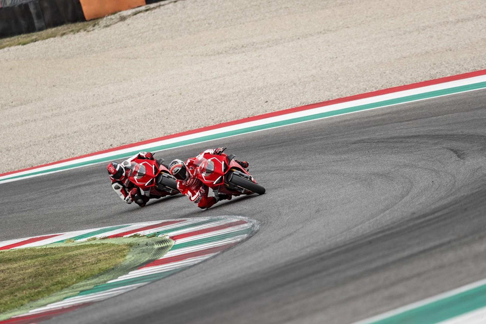 Foto de Ducati Panigale V4 R 2019 (39/87)