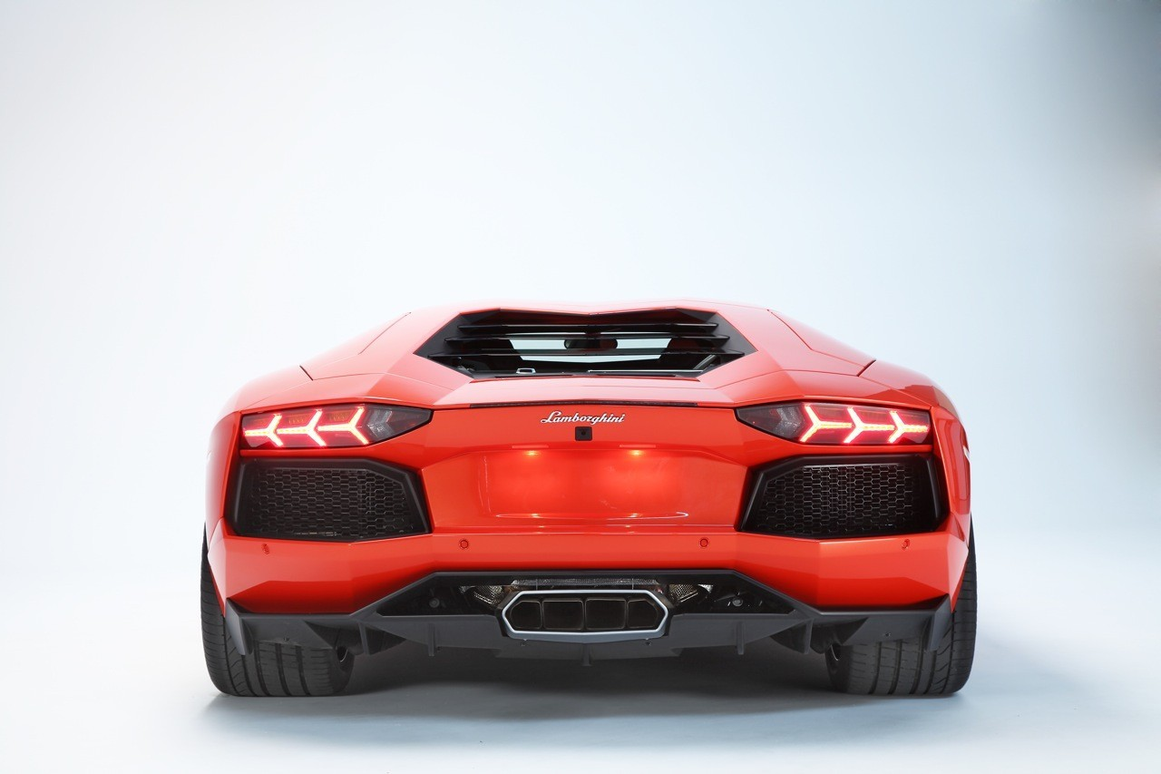 Foto de Lamborghini Aventador LP700-4 (58/62)