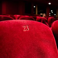 Estas son las tecnologías que integran los móviles para que no echemos de menos ir al cine