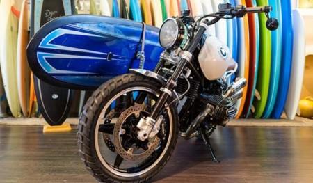 BMW busca mezclar estilos con su moto retro para los surfistas