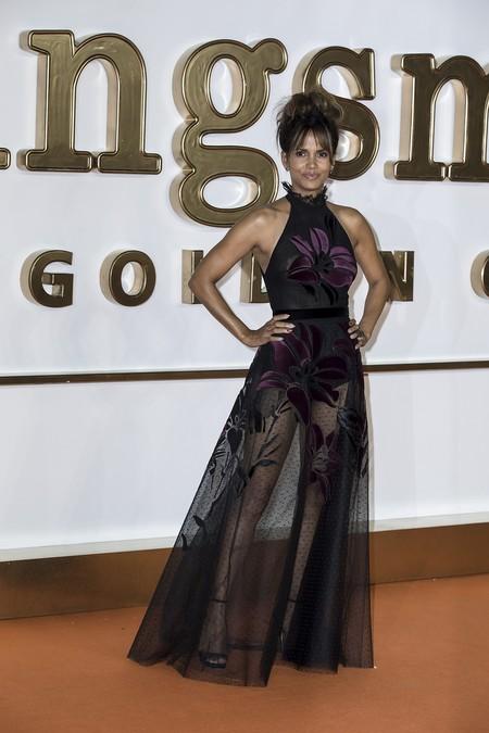 premiere kingsman circulo dorado actrices celebrities alfombra roja look estilismo outfit halle berry