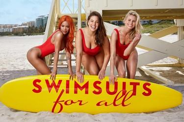 Ashley Graham demuestra que el mítico bañador rojo de Los Vigilantes de la Playa sienta bien a todas las tallas