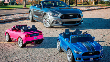 Un Ford Mustang eléctrico y de juguete, el regalo ideal para estas navidades
