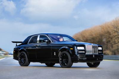 El SUV de Rolls-Royce tendrá las puertas invertidas