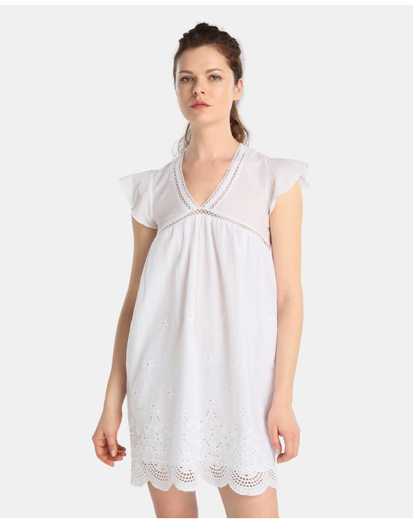 Foto de Vestidos blancos bohemios en moda UNIT (4/5)