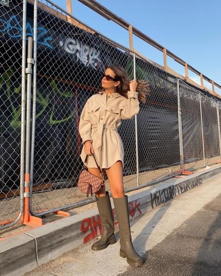 Cuando la calle lo lleva, viral se convierte: las nuevas botas (de agua) de Zara lo tienen todo para ser el producto estrella de la temporada