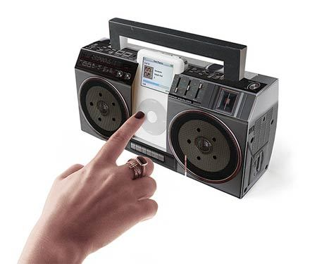 Tu iPod convertido en un viejo radio-cassette