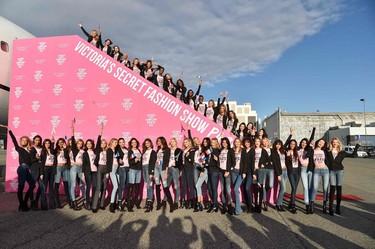 Los ángeles de Victoria's Secret ya están en París, y su jet privado ha sido alucinante