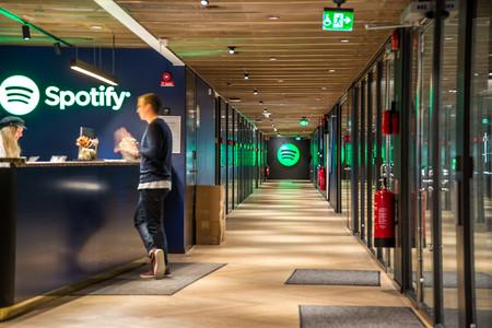 Spotify es la primera en alcanzar los 100 millones de suscriptores de pago, pero las cuentas siguen sin salirle