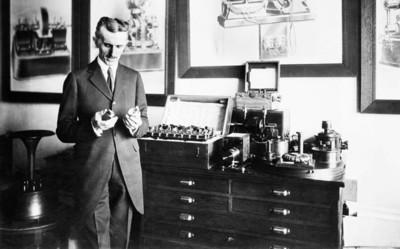 Nicola Tesla y su predicción de televisor portátil