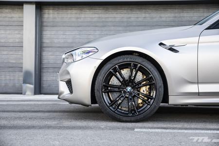 BMW M5 2018 aleta delantera