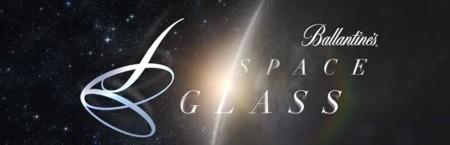 Space Glass de Ballantine´s el primer vaso para beber whisky en el espacio.