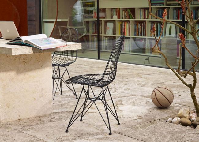 clsicos del diseo vitra adapta la silla eames wire chair para exteriores