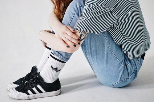 11 chollos en camisetas, sudaderas y abrigos Adidas para aprovechar el 20% de descuento del cupón EXTRA20