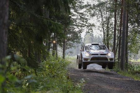 Rally de Finlandia 2014: Jari-Matti Latvala arranca fuerte