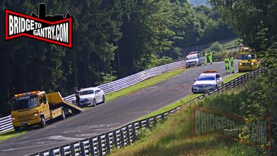 Dolorpasión™: Tropiezo del BMW Taxi en Nürburgring