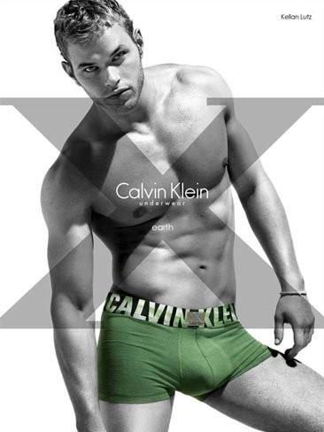Kellan Lutz vuelve a mostrar esa pata negra para Calvin Klein