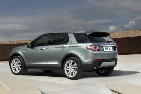 landrover-discovery-sport-2015-650-17.jpg