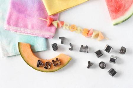 Sorprende y refresca a los tuyos con estas letras comestibles