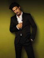 Roberto Cavalli apuesta por el hombre moderno a la par que elegante para este verano