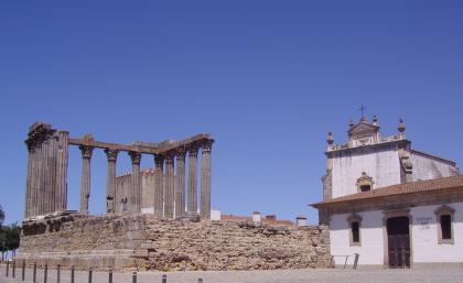 Évora:  romanos, árabes y cristianos ( I )