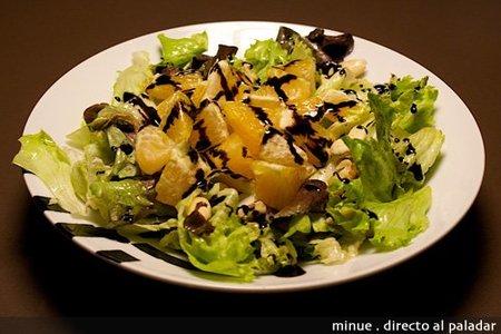 comida para llevar - ensalada de naranja  - presentación