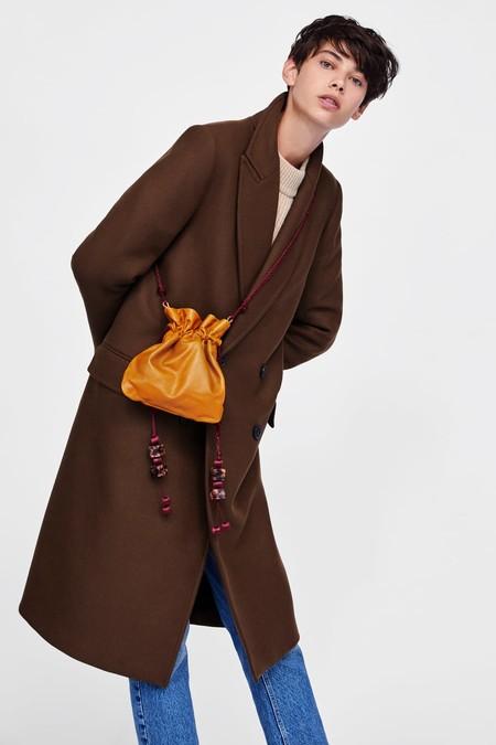 11 bolsos de piel de Zara que hemos encontrado en rebajas por menos de 40 euros