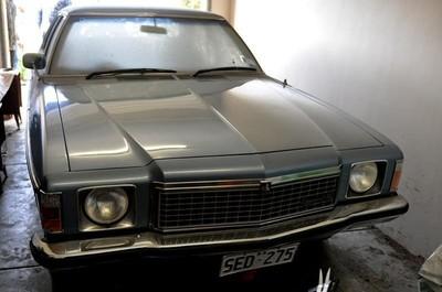 Este Holden lleva 27 años esperando que lo arranquen