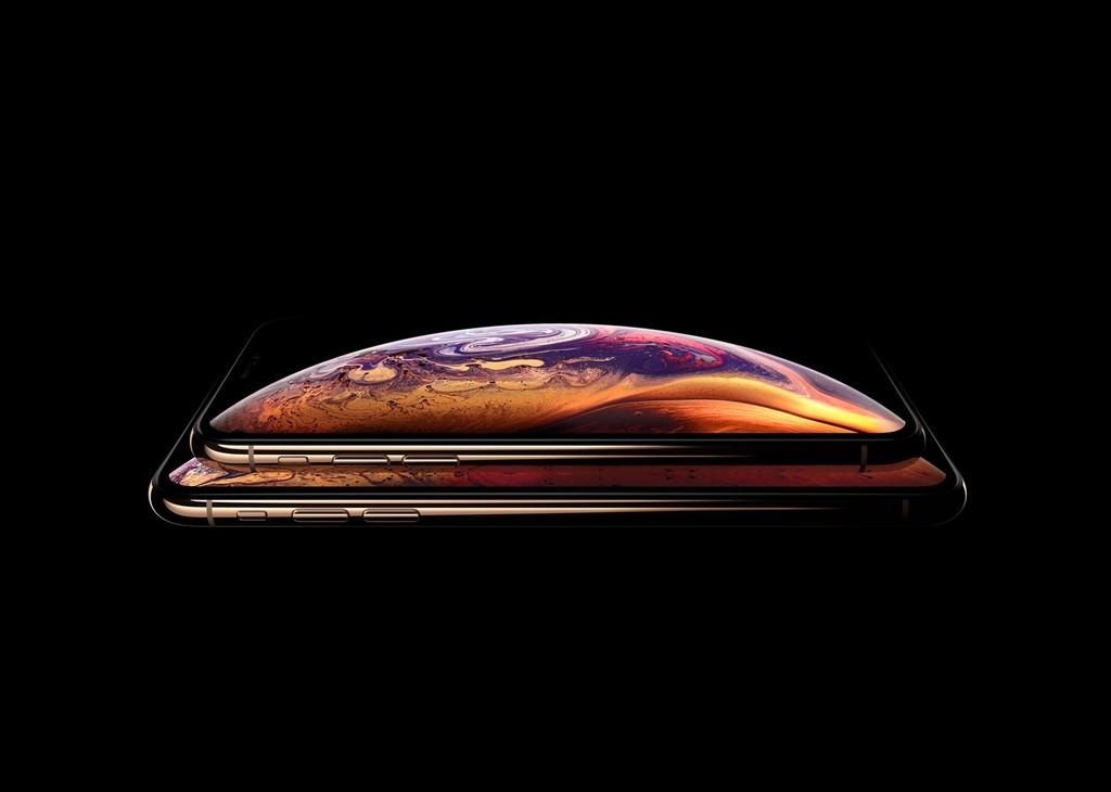 Demandan a Apple porque el wallpaper de los iPhone XS y XS Max oculta el notch en las imágenes promocionales