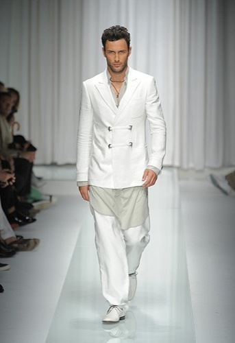 Versace, Primavera-Verano 2010 en la Semana de la Moda de Milán V