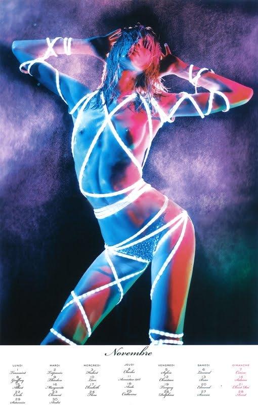 Foto de El calendario 2010 de Vogue París: erotismo y desnudos de las mejores modelos (7/13)