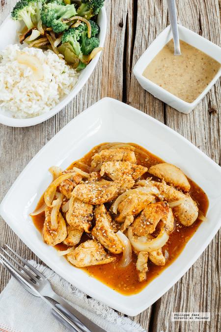 Fajitas de pollo con paprika y salsa de sésamo: receta
