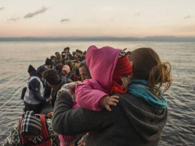 Ciudadanos canadienses ayudan a niños refugiados sirios a superar el miedo al agua