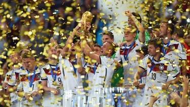 Alemania es Weltmeister y los jugadores lo celebran a lo grande