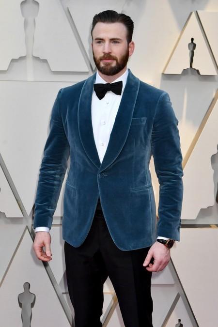 De Azul Y En Terciopelo Chris Evans En La Alfombra Roja De Los Premios Oscar 2019 02
