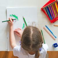 13 artículos de material escolar para niños zurdos