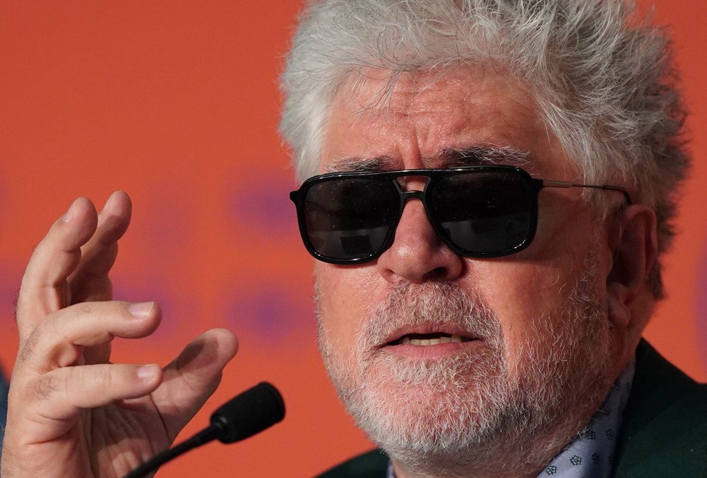 Pedro Almodóvar will receive the Golden Lion of the Venice film Festival in recognition of his entire career