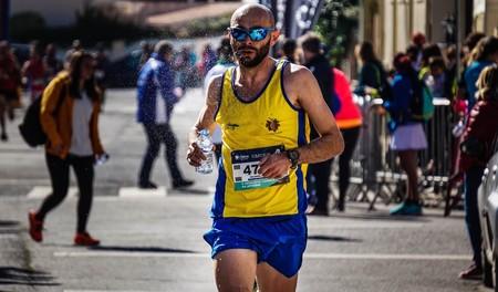 La soledad del corredor de fondo: las carreras largas, ¿mejor solo o acompañado?