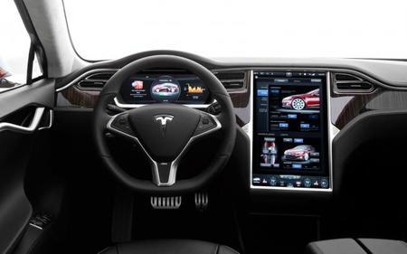 2013 Tesla Model S Cockpit