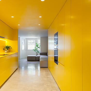 ¿Te imaginas una cocina toda de amarillo brillante? Lo hicieron en Londres y se ve espectacular