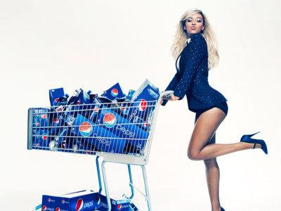 Esto es lo que ganan las celebrities por promocionar refrescos y comida basura (pero ellos lucen cuerpos saludables)