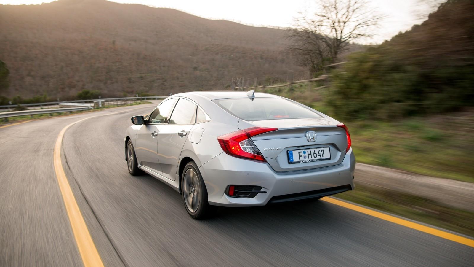 Foto de Honda Civic 4 puertas (31/37)