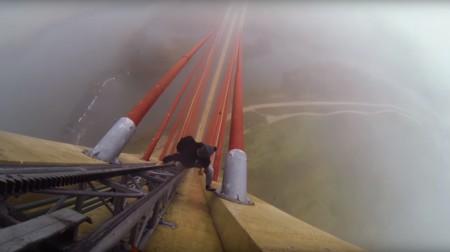 """Escalada extrema: así es trepar los 192 metros del Puente de Castilla-La Mancha """"a pelo"""""""