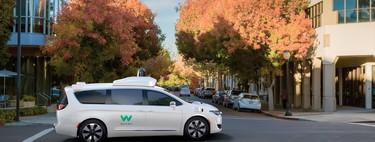 Los usuarios del programa piloto de taxis autónomos de Waymo en Silicon Valley aún valoran negativamente la mitad de sus viajes