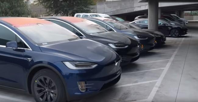 ¿Están estos Tesla Model 3, Model S y Model X 'abandonados' en un parking por ser defectuosos?