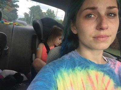 Una madre cuya hija padece TDAH nos recuerda por qué no debemos juzgar a otras mamás