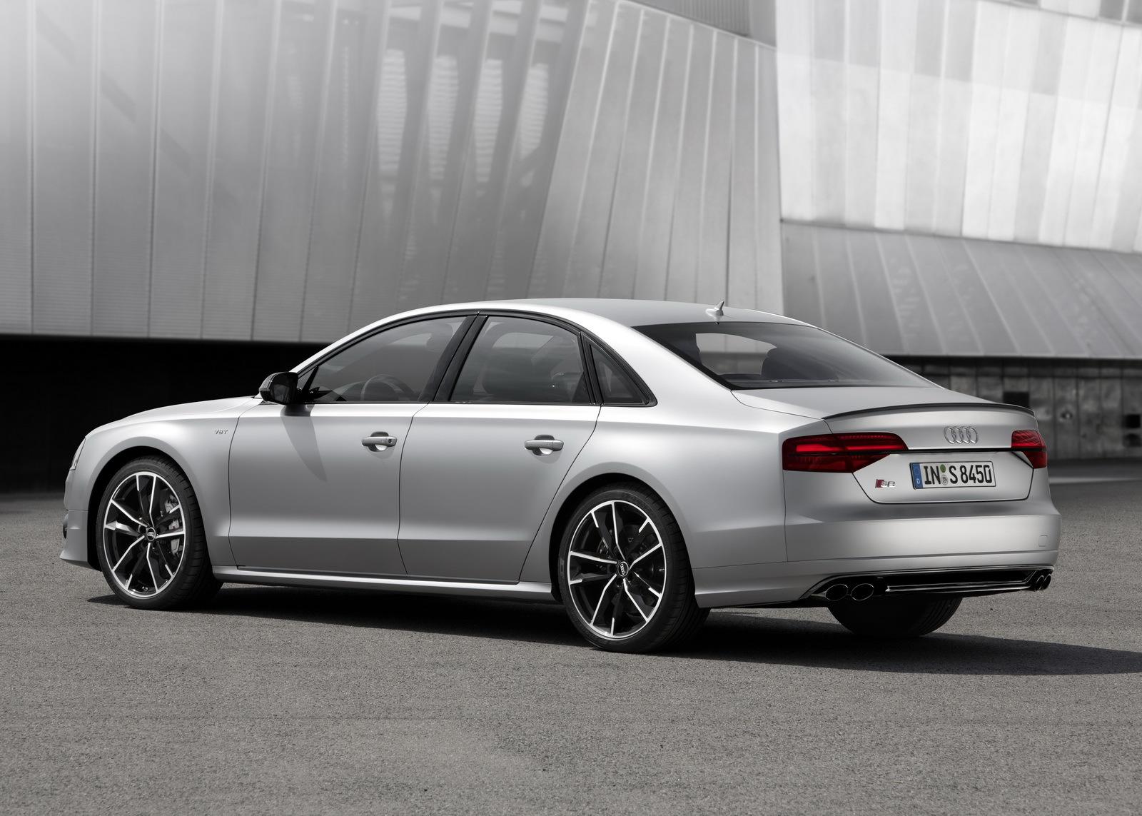 Audi S8 Plus 13 23
